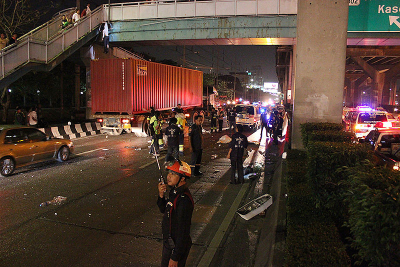 34 road accident deaths reported on first travel day of seven day New Year holiday