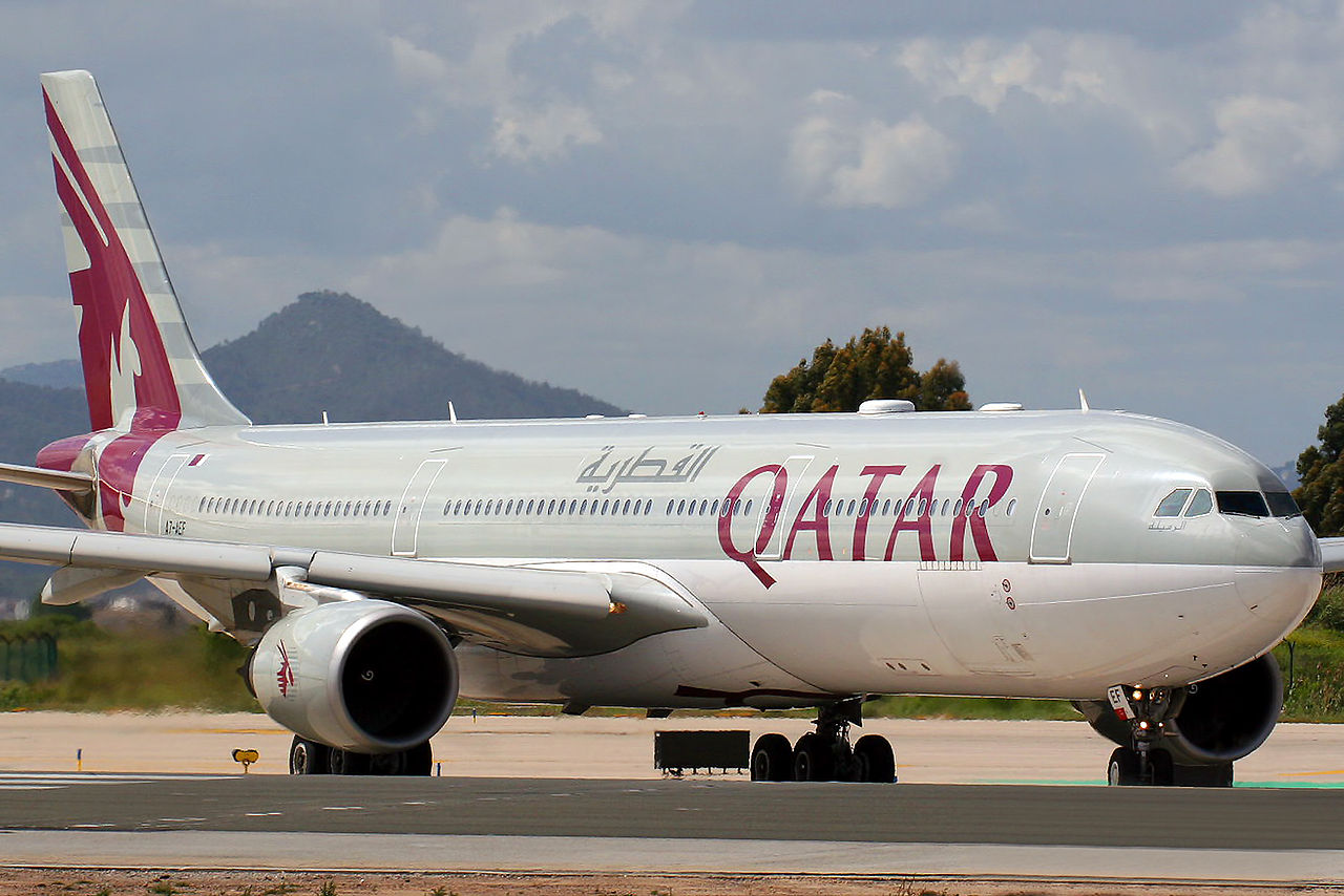 Airbus A330-302 Qatar Airways A7-AEF in Barcelona