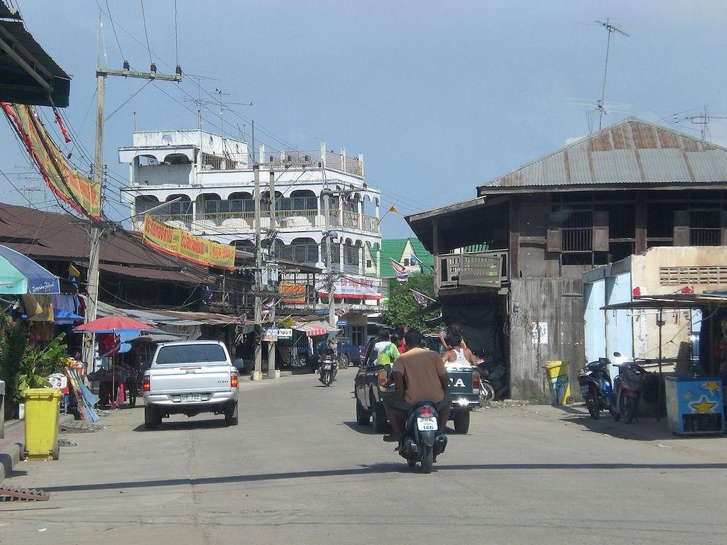 Street in Bueng Samakkhi, Kamphaeng Phet