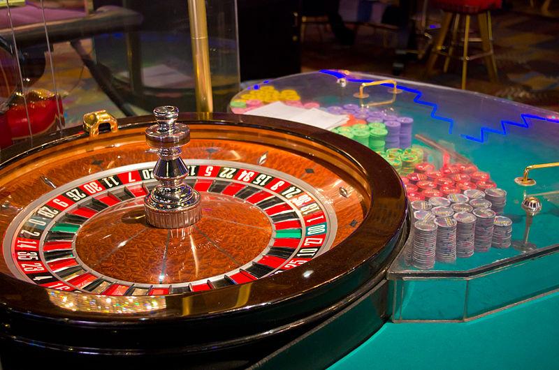 All-Night Pub and Illegal Casino Raided in Pattaya