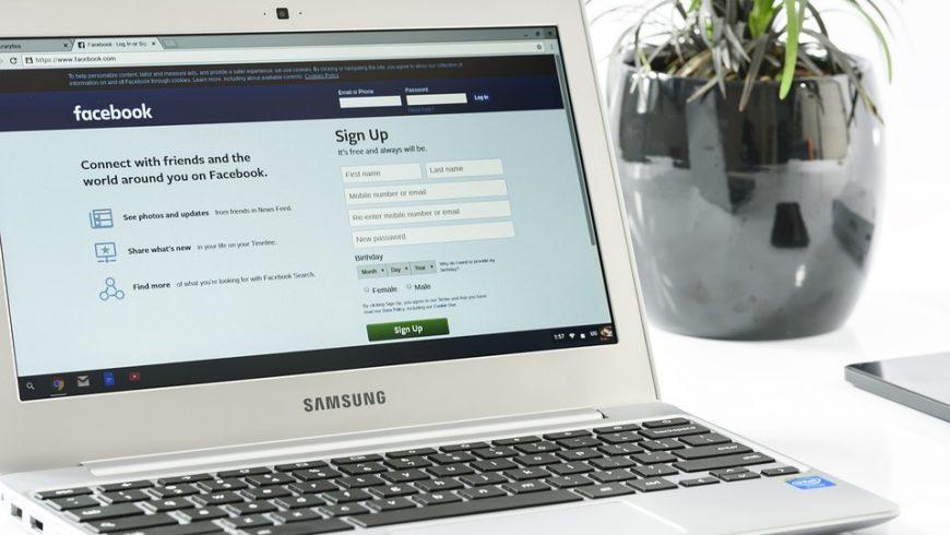 Facebook on a Samsung laptop