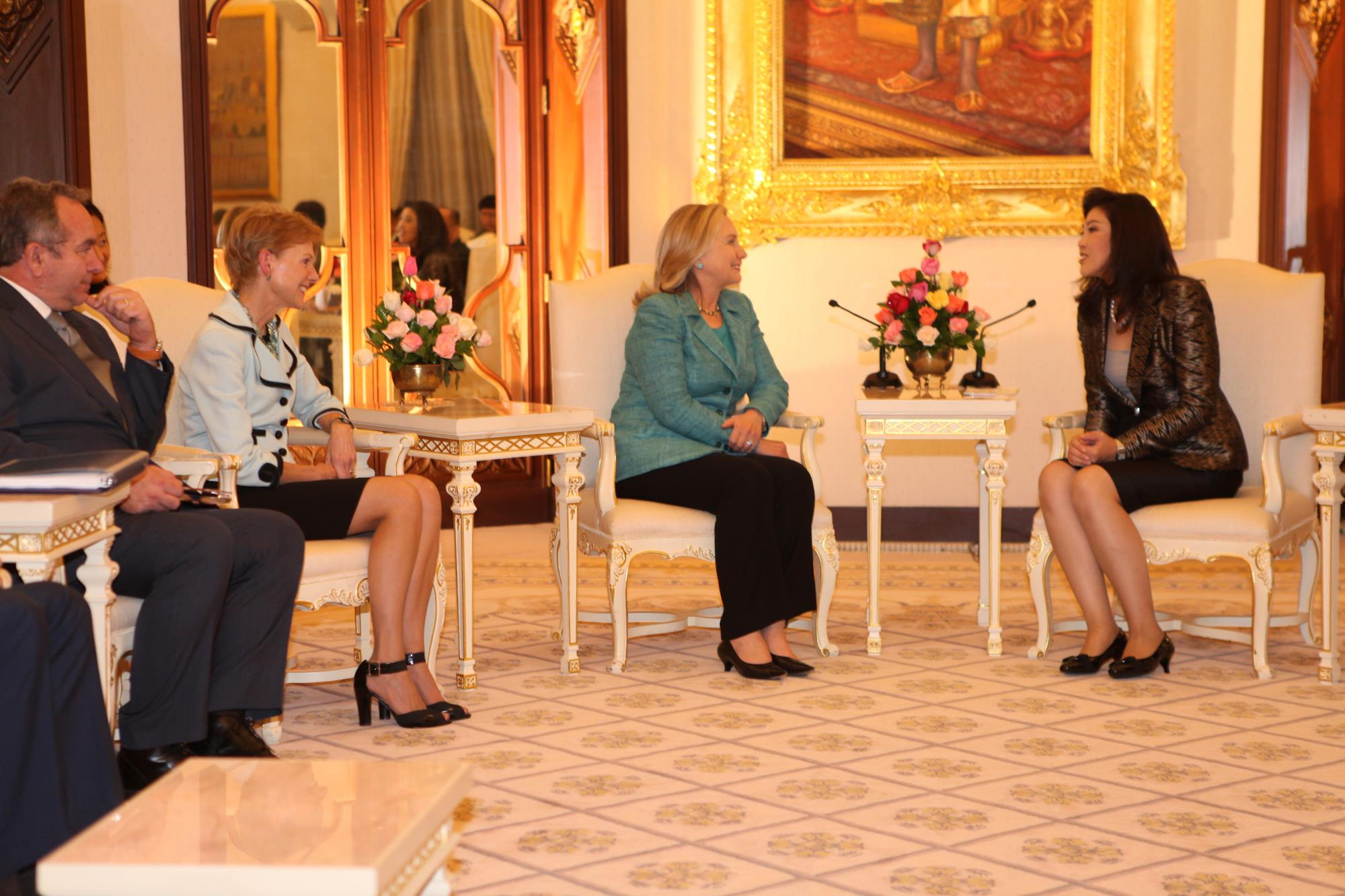 The message or the accent? Hillary and Yingluck's first meeting