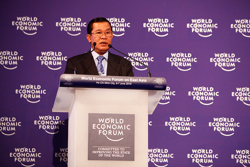 Cambodian PM Hun Sen urges Thailand to keep peace