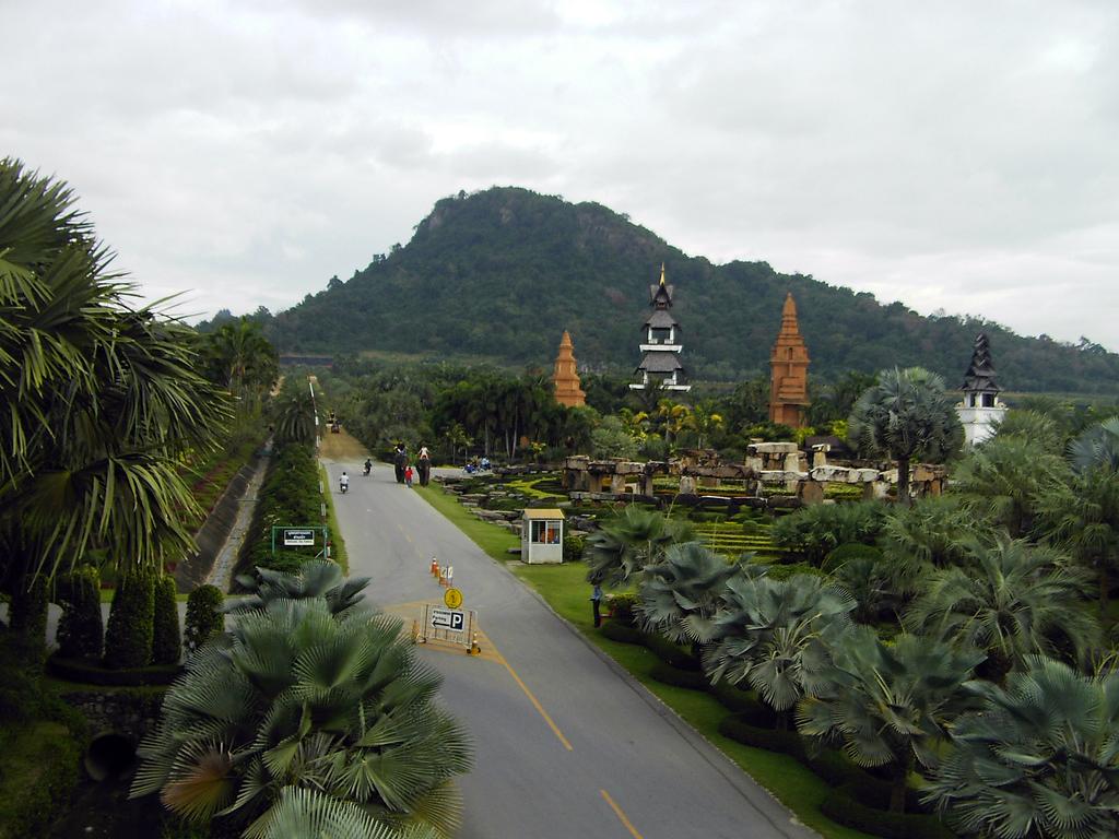 Nong Nooch Tropical Botanical Garden in Chonburi