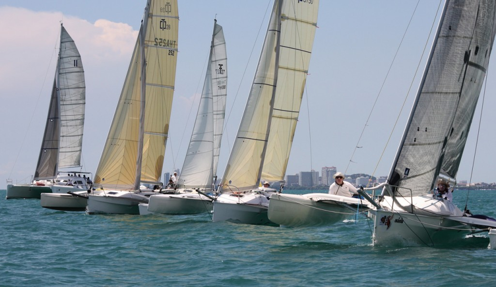 Racing Begins at Top of the Gulf Regatta