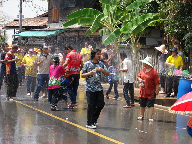 Phitsanulok: Ladyboys And Teens Indecently Expose Themselves During Songkran
