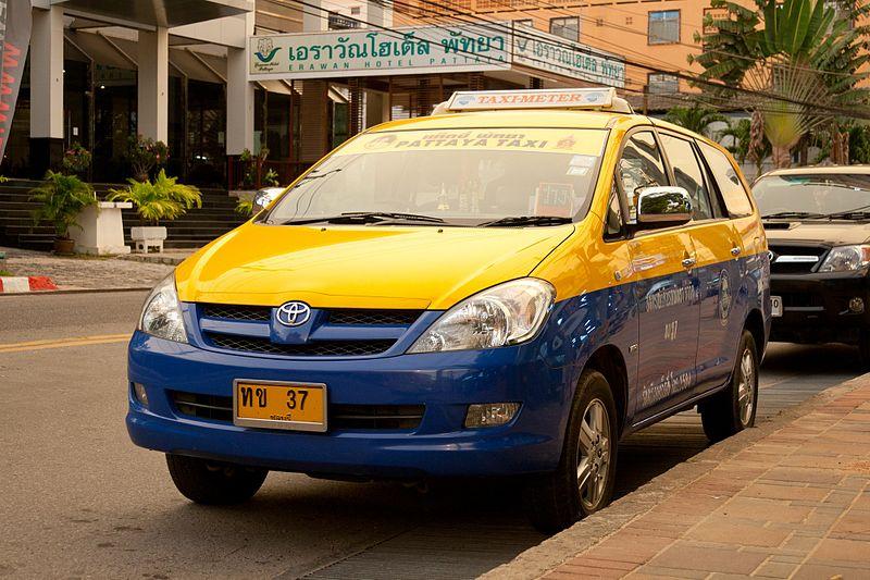 Toyota Innova taxi-meter in Pattaya