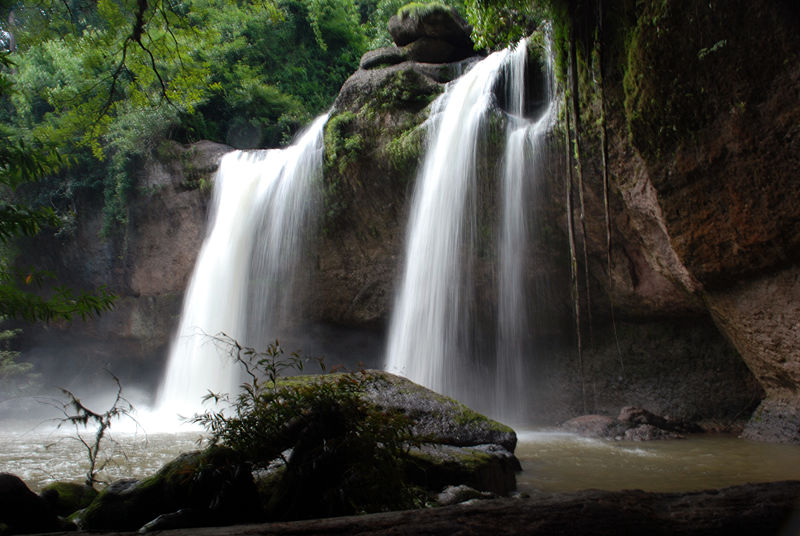 French Tourist Dies From Waterfall Plunge in Southern Thailand