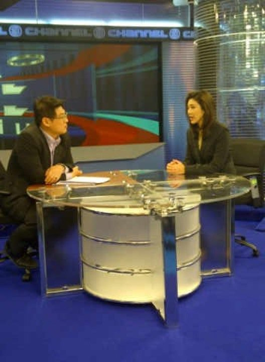 Thai PM Yingluck Shinawatra to have weekly TV/radio show