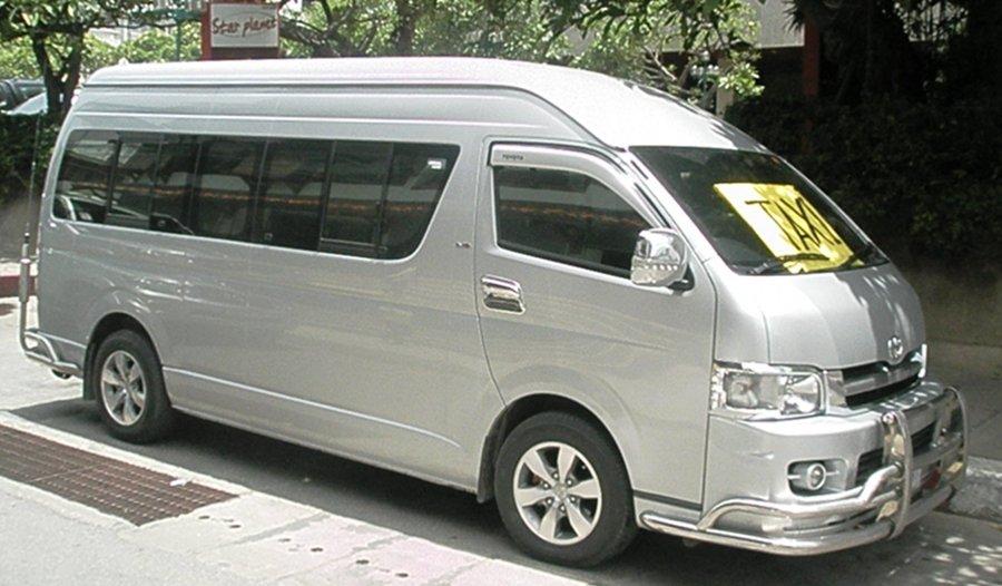 Seven dead in East Pattaya Minivan crash