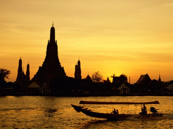 Expats fall in love with Thailand but not the language