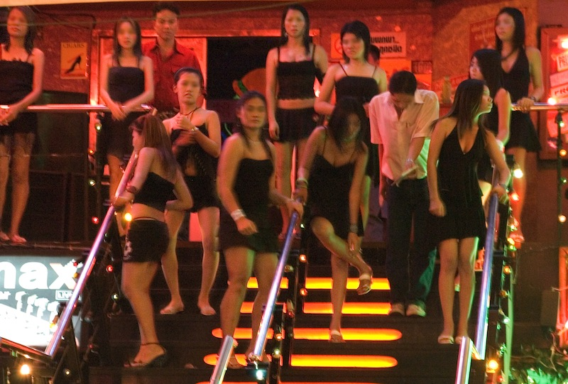 42 Beach Prostitutes rounded-up by Pattaya Police