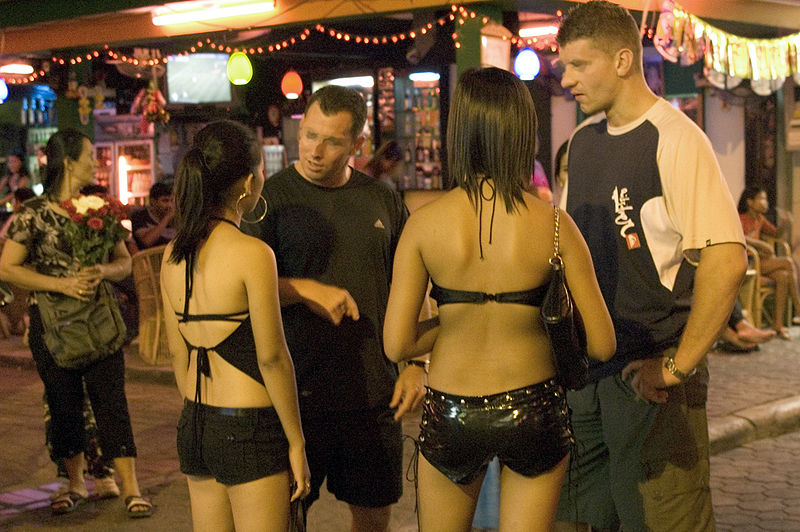 Pattaya Police to Wipe Out Prostitution Along along the Beach