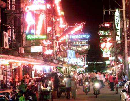 Underage Bar Workers found by Police at Pattaya Bar
