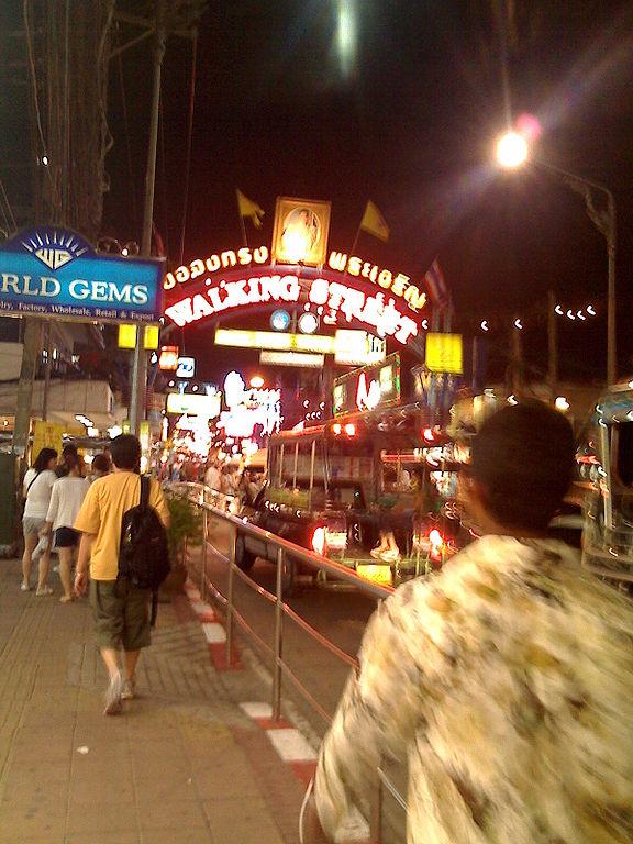 Pattaya Police Nab 2 French Pot Smokers Plus ATM Card Criminal