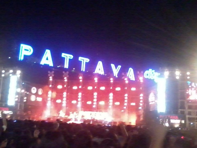 2013 comes in with a bang as power cut hits South Pattaya entertainment zone