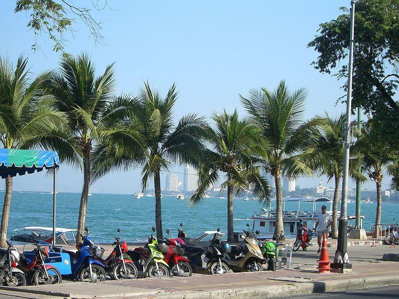 Pattaya beach road