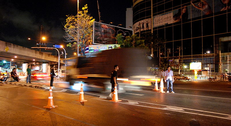 Three policemen killed, three others injured in Bangkok by speeding vehicle