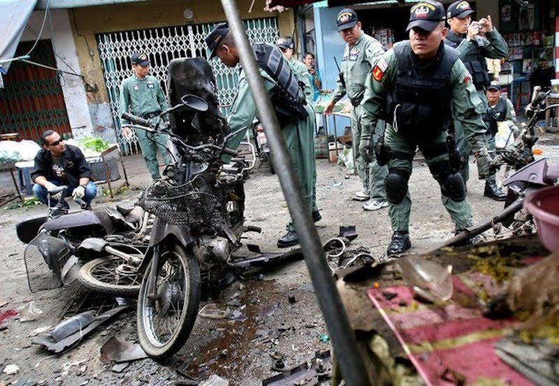 Bomb, shooting, fires in Thailand's Far-South