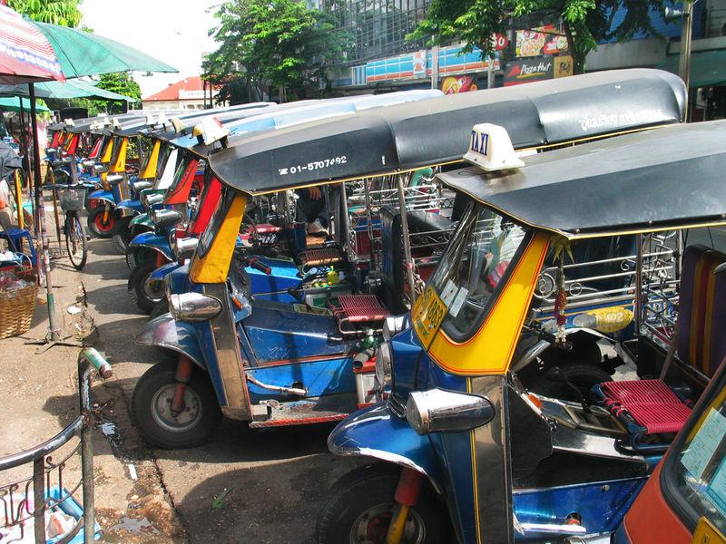 Tuk tuks at Pak Klong market